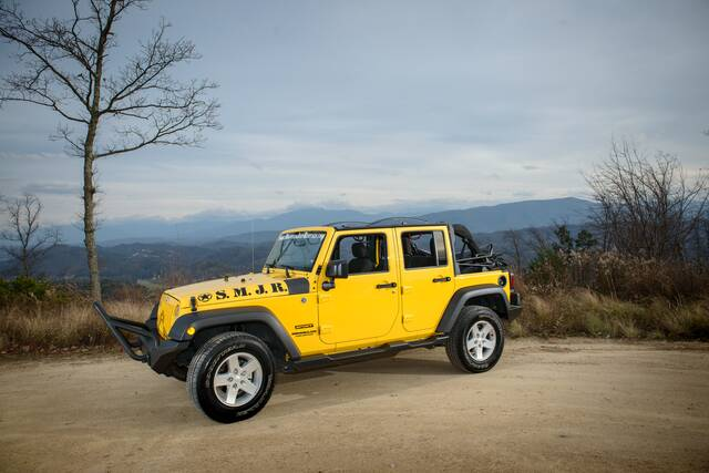 Jeep Wrangler Smoky Mountain >> Yellow 4 Door | Smoky Mountain Jeep Rentals